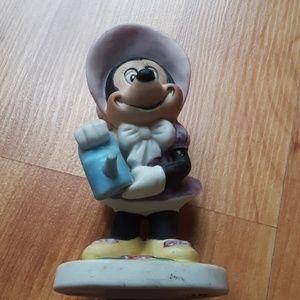 Vintage Minnie Mouse statue